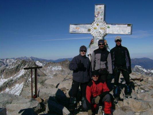 Os Pataricos en la cumbre del Aneto. Puente de Todos los Santos 2007